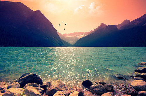 beach-lake-mountains-scenery-sun-water-Favim.com-62042